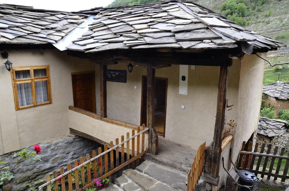 Photo of Svaka kuća u Gostuši dobila ličnu kartu