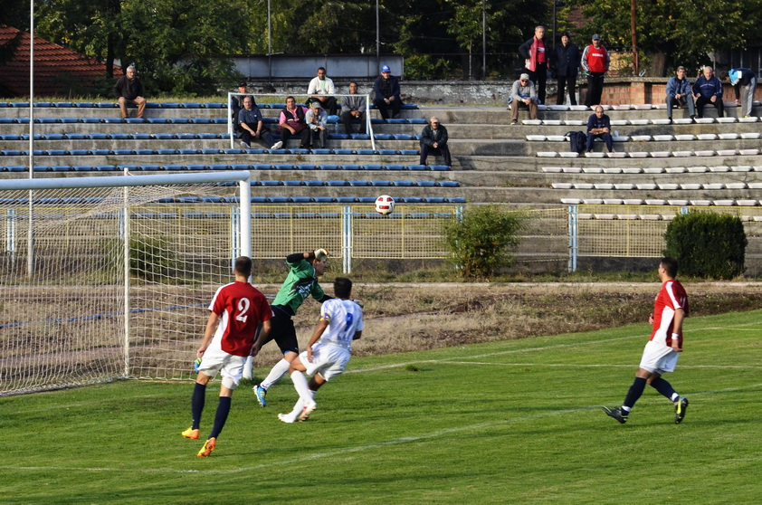 Photo of Kapiten stavio tačku na meč Radnički-Trstenik 3:0 (foto, video)