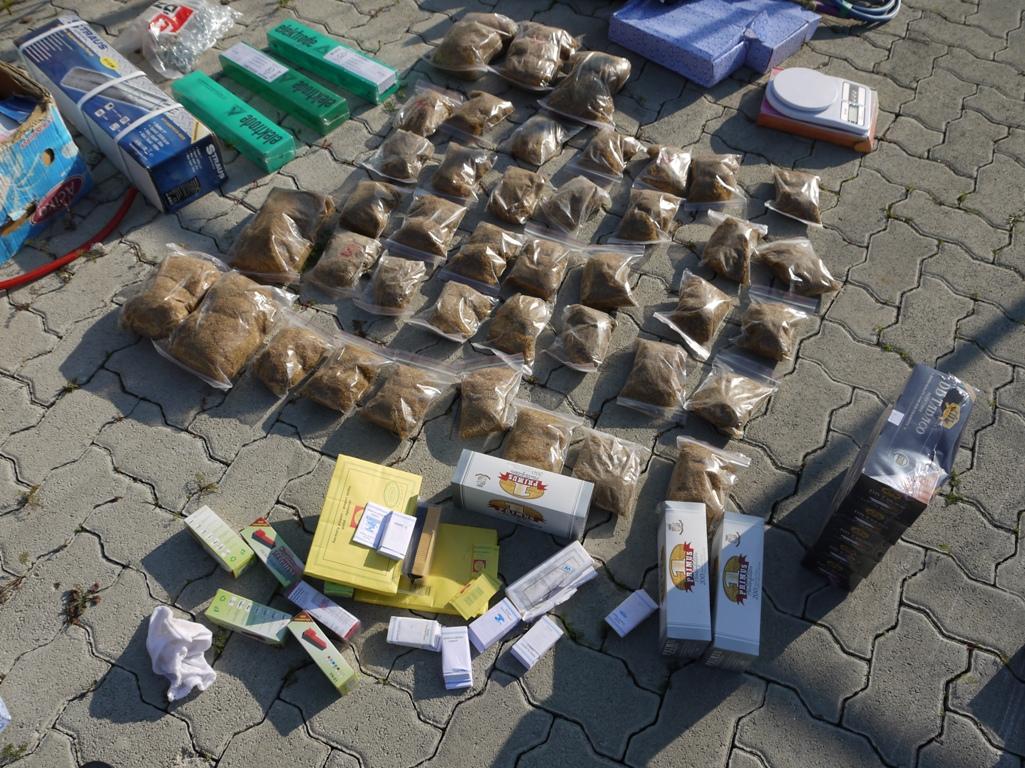 Photo of Zaplenjen tovar markica za cigarete namenjen ilegalnoj fabrici cigareta