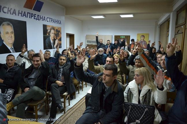 Photo of Pirotski SNS jednoglasno uz Vučića