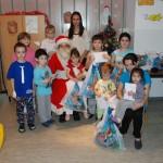 Članice Kola srpskih sestara podelile paketiće bolesnim mališanima