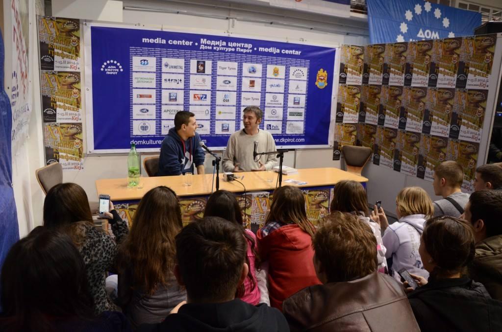 Photo of Marčelo izazvao ogromno interesovanje  na Salonu knjiga