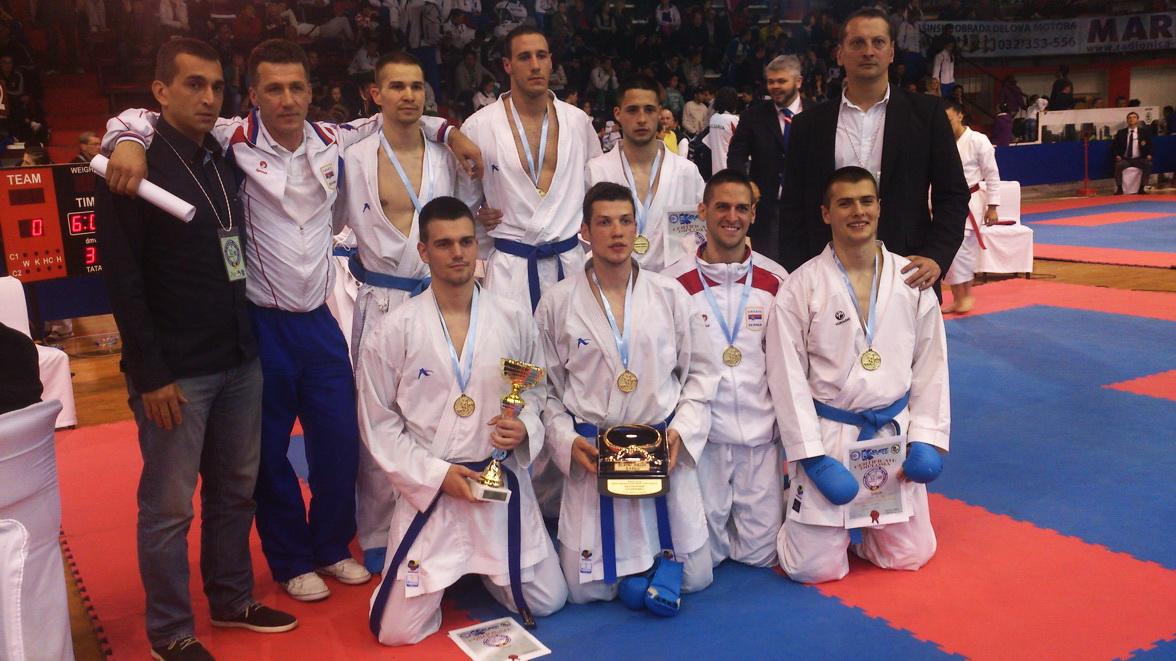 """Photo of Uroš u """"dresu"""" reprezentacije Srbije osvojio zlatnu medalju"""
