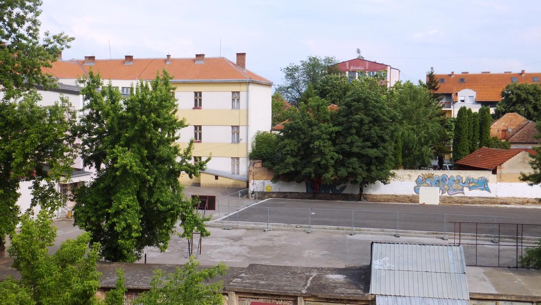 """Photo of Rekonstrukcija dvorišta OŠ""""Vuk Karadžić"""" tokom raspusta"""