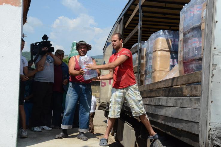 Photo of Meštanima Ponora 18 tona flaširane vode
