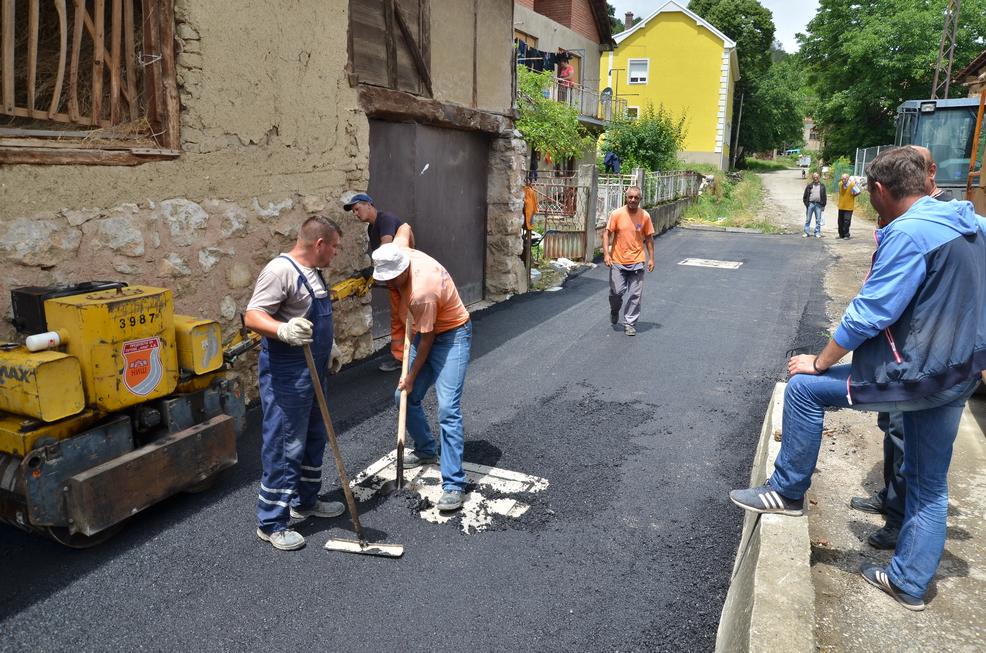 Photo of Vasić: Naredne godine znatno više asfaltiranih ulica