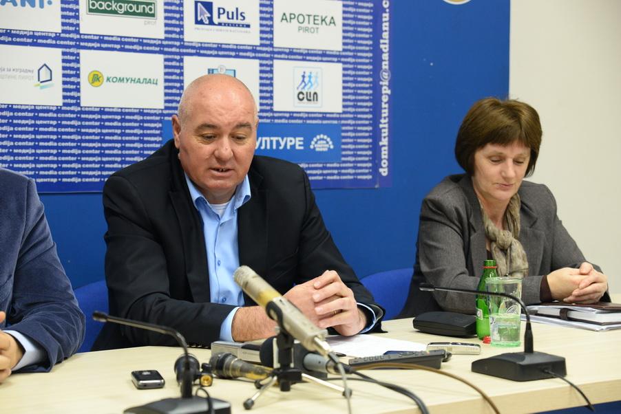 "Photo of ""Otet"" odbornik u Dimitrovgradu?!"