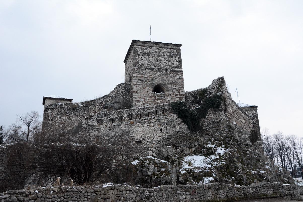 Momčilov grad 6