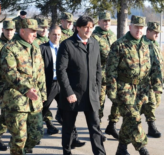 Photo of Gašić:Prvi vojnici u pirotskoj kasarni do kraja godine