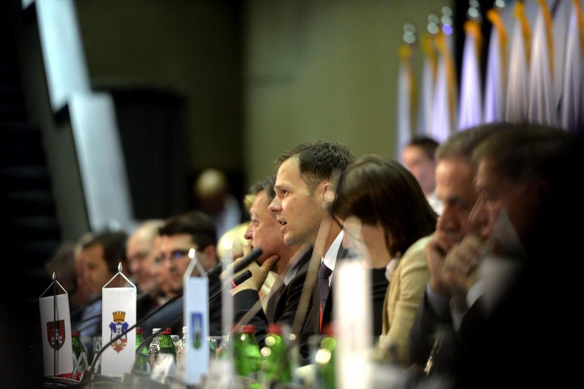 April 23. Samit konferencija - Sava Centar (100)_1200x800