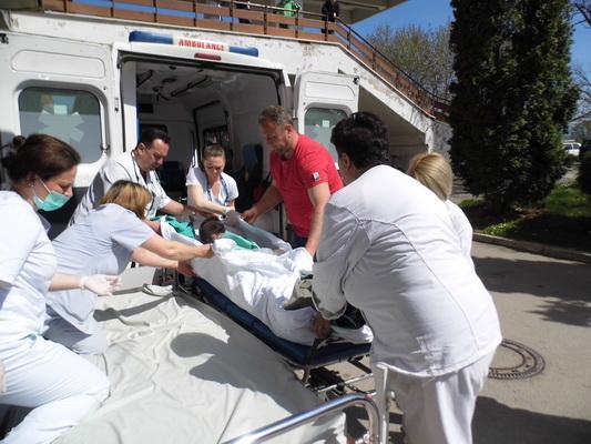 Photo of Povređeni radnici avionima prebačeni na lečenje u Nemačku