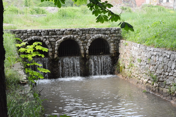 Photo of Ponovo teče voda kroz kanal oko Momčilovog grada