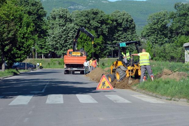 Photo of Radovi na izgradnji nove javne rasvete i tokom vikenda