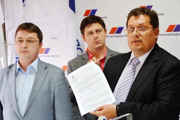 Photo of SNS:Nenamensko trošenje para