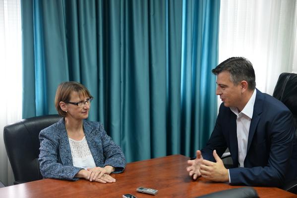 Photo of Vasić primio ambasadorku Francuske u Srbiji
