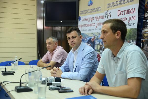 Photo of Vasić pozvao Vučića da poseti i odmor provede u Pirotu