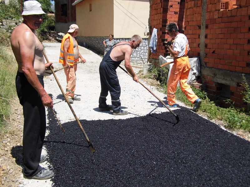 Photo of Šađine vodenice:asfalt posle 40 godina