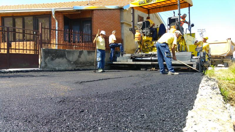 asfaltiranje ulice rogoz