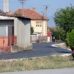 Asfaltirane ulice u naselju Rogoz