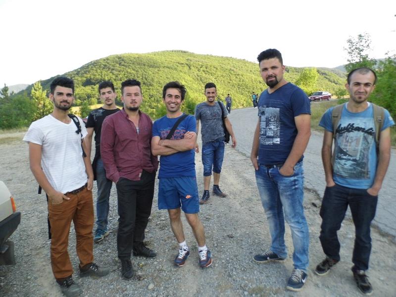 grupa izbeglica iz sirije