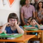 Grad Pirot prvacima koji primaju dečji dodatak daruje po 10.000 dinara