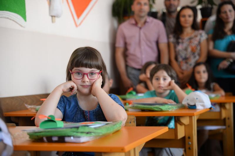 Photo of Grad Pirot prvacima koji primaju dečji dodatak daruje po 10.000 dinara