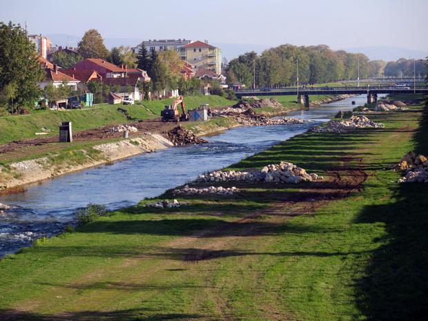 Photo of Vasić zahteva završetak radova i uređenje obale Nišave