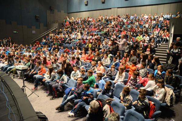 Photo of Predavanja o huliganima i bezbednosti mladih