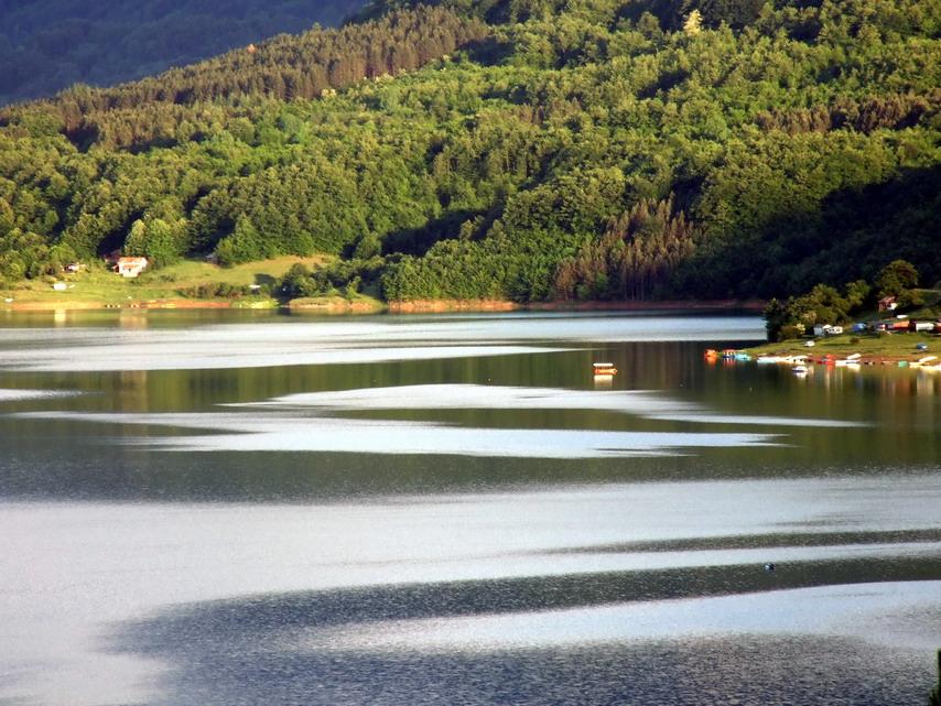 zavojsko jezero kod pirota