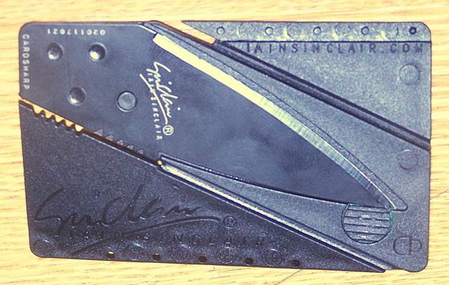 Photo of Zaplenjeni noževi u obliku kreditnih kartica