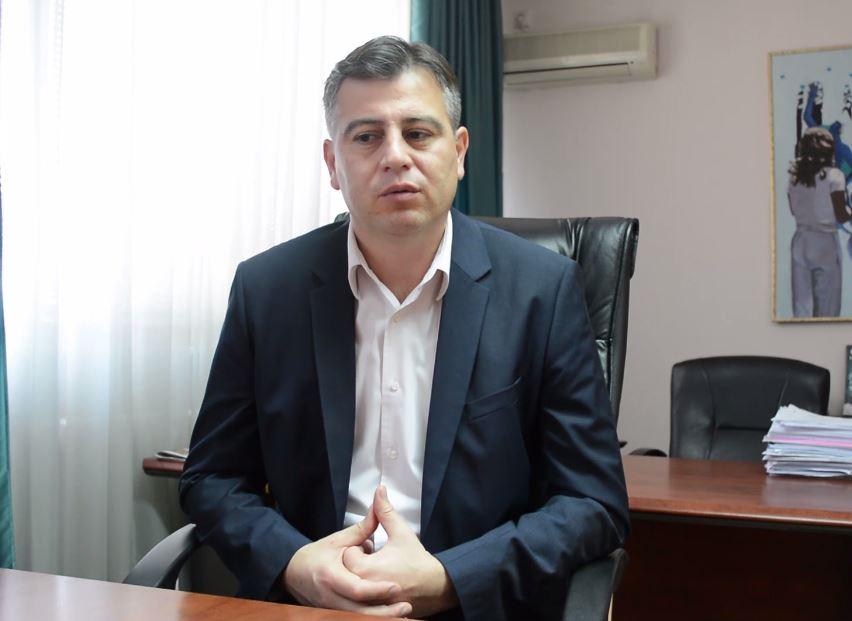 Photo of Vasić:Naredna godina u znaku asfaltiranja ulica u prigradskim naseljima i selima
