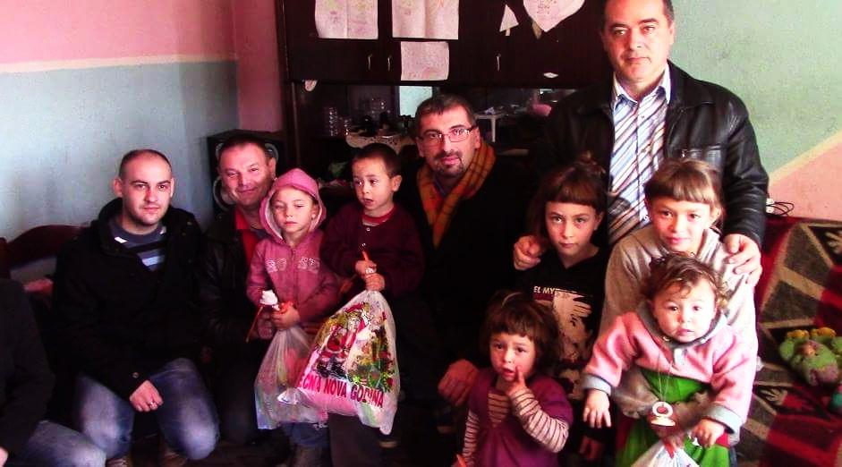 Photo of Pokloni osmočlanoj porodici Zlatić iz Krupca