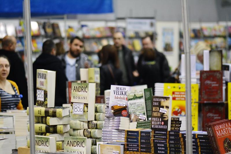 Photo of Jubilarni 20. Salon knjige i grafike u Pirotu od 14. do 21. februara. Sajam otvaraju  književnik Vule Žurić i gradonačelnik Vasić