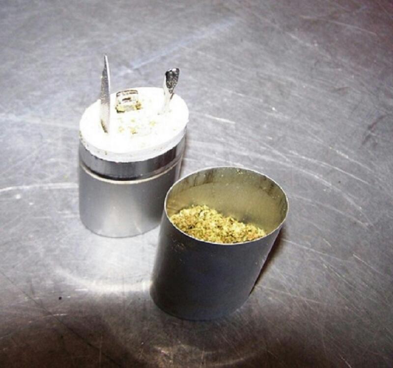 Photo of Marihuana u priboru za nokte