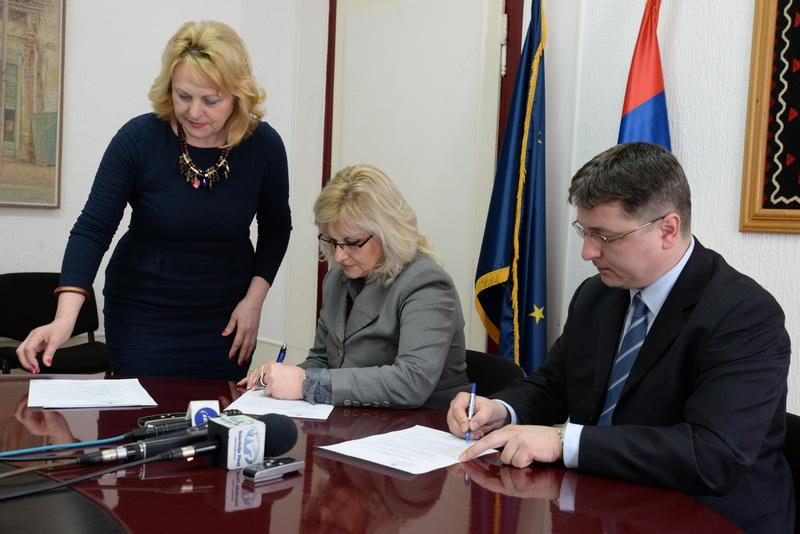 Photo of Nova načelnica Pirotskog okruga preuzela dužnost
