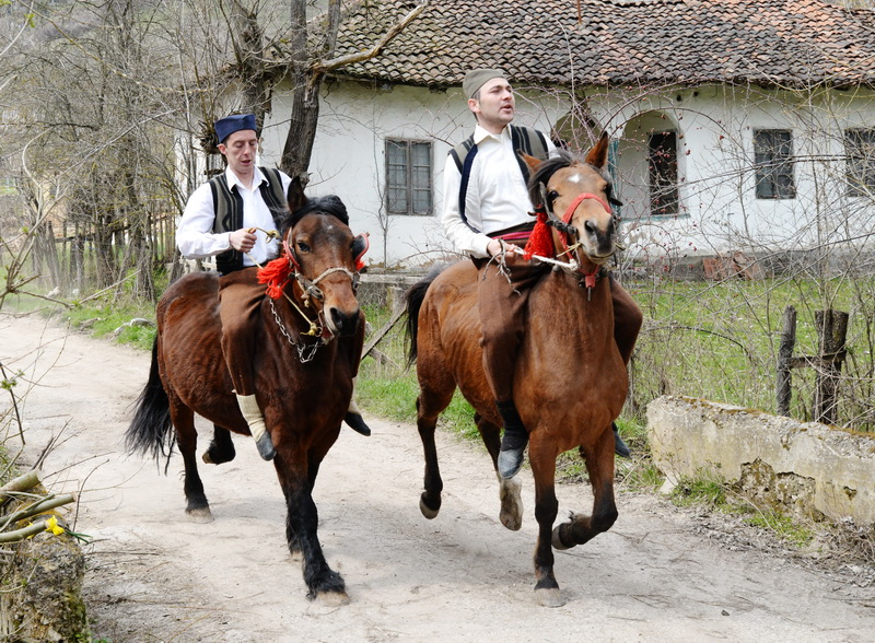 Photo of Jahanjem neosedlanih konja prizivaju proleće i berićet (Video)
