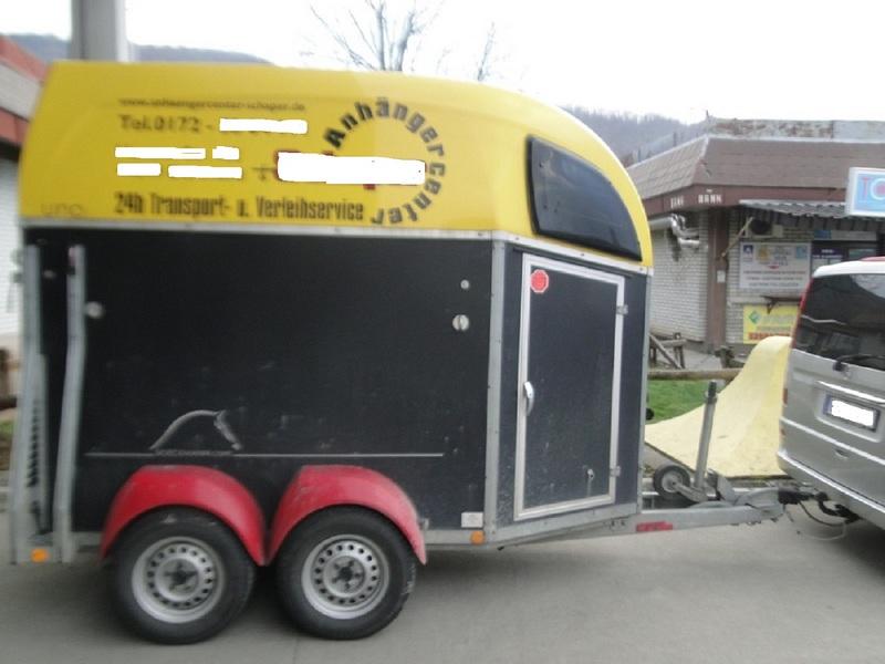 prikolica za transport konja
