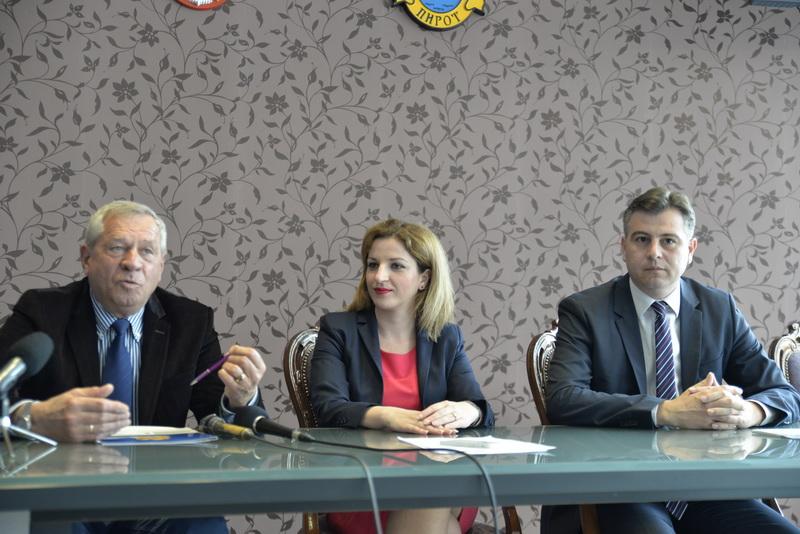 Photo of Vasić:Počinjemo sa obnovom drvne industrije u Pirotu