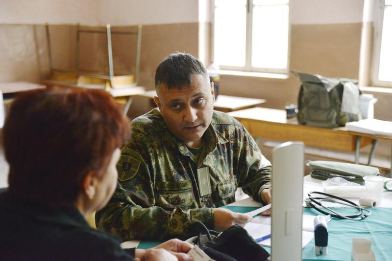 vojni lekar na selu dojkinci