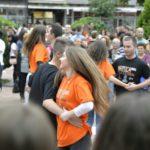 Pirotski maturanti plesali na Maturantskoj paradi