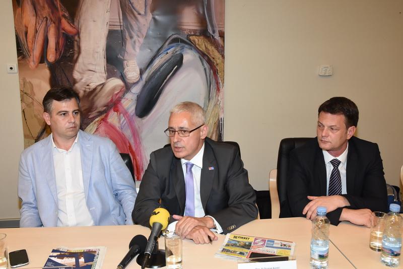 Photo of Vasić i Kostić na prezentaciji Međunarodne doktorske škole u Beogradu