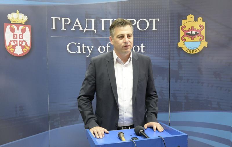 Photo of Vasić:Usvojene izmene Zakona o lokalnim samoupravama prihvatljive za Pirot