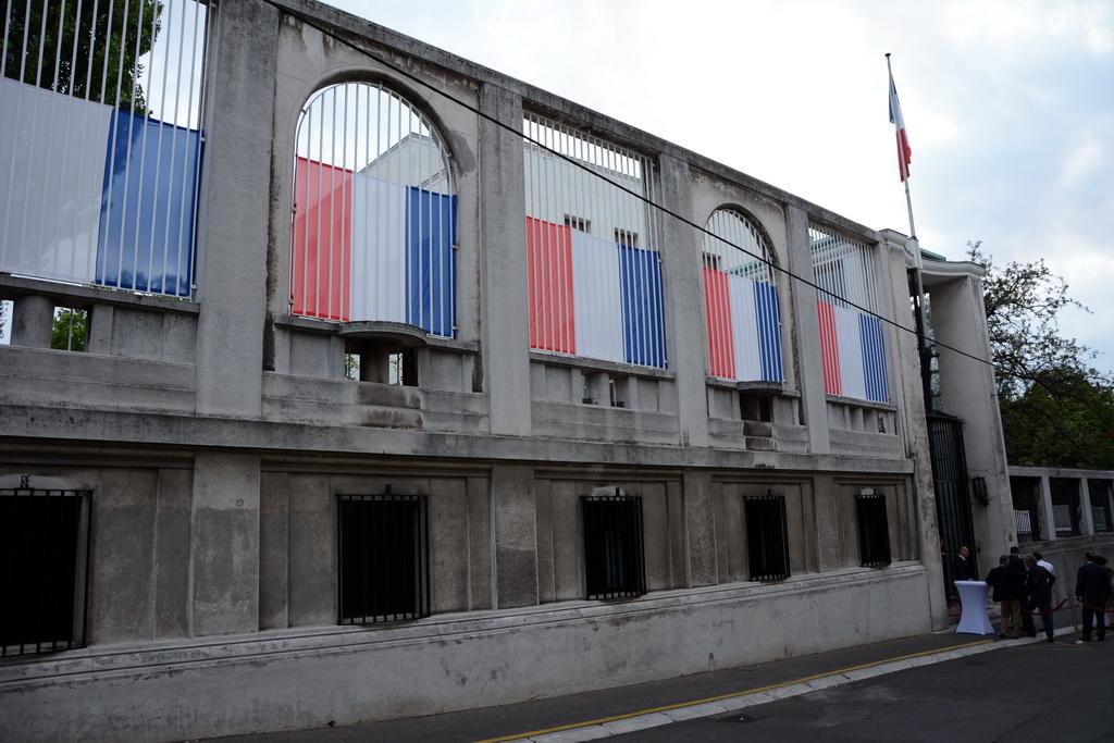 Photo of Vasić na prijemu u ambasadi Francuske