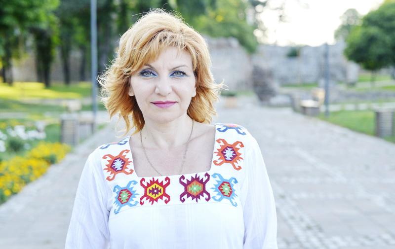 """Photo of Modna revija """"Etno Glamur"""" – odeća sa šarama pirotskog ćilima"""
