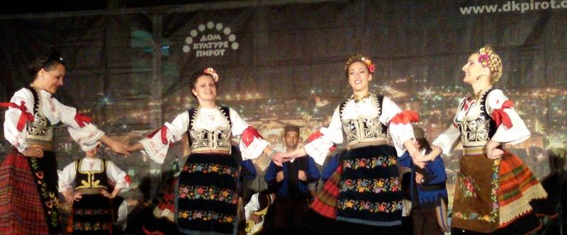 Photo of Koncerti folkloraca zbog najavljenog lošeg vremena u dvorani Kluba vojske