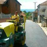 Asfaltiranje sokaka u selu Krupac i uređenje puteva ka selima