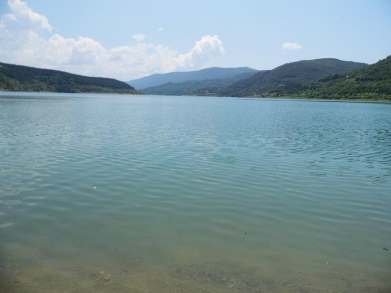 Photo of Zavojsko jezero:Žandarmerija i dalje traga za utopljenikom