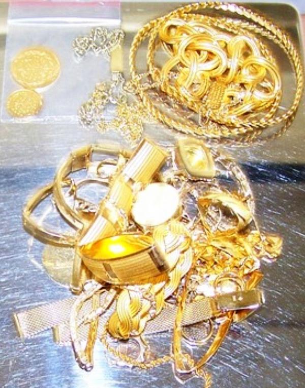 Zlatni nakit 12 08 2016
