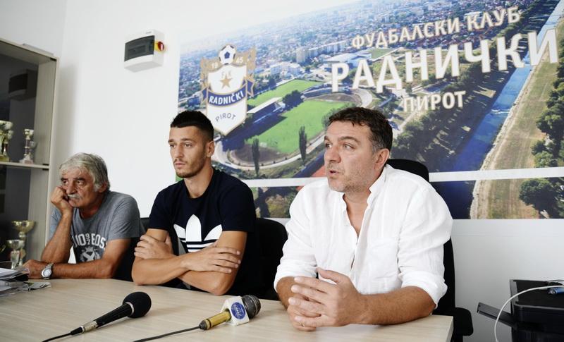 Photo of Trener Živković:Verujem u igrače Radničkog