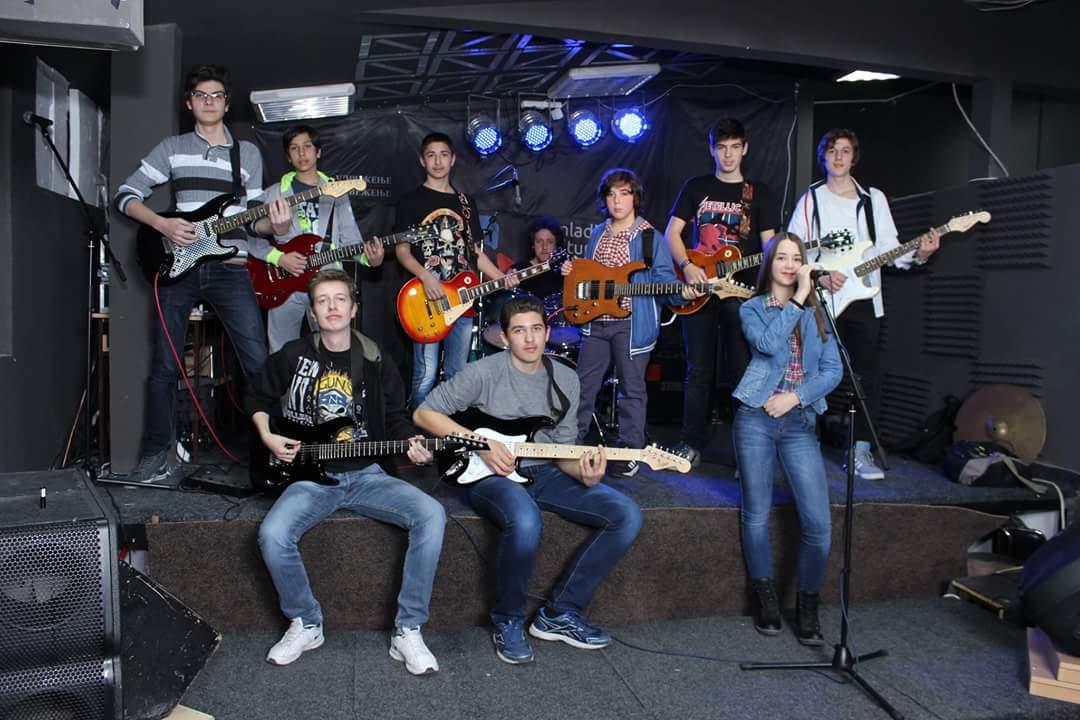 Photo of Škola rok gitare u Pirotu